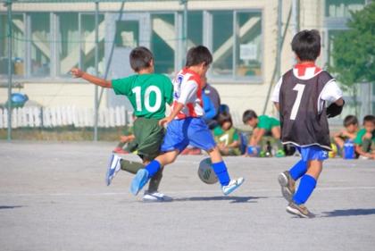 まずは、サッカー。