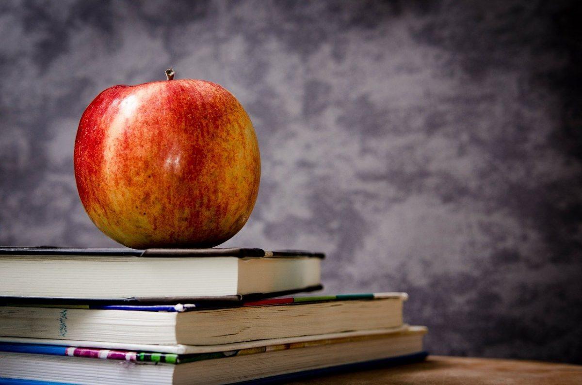 英語でりんごの複数形や冠詞